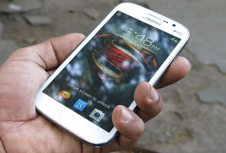 """Xu hướng màn hình rộng """"tấn công"""" smartphone tầm trung 2"""