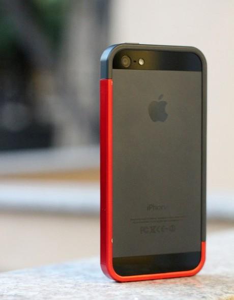 Phụ kiện đẹp mắt chống xước cho iPhone 5