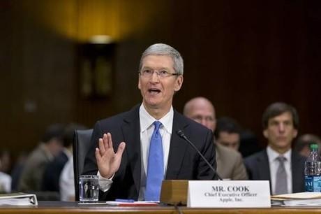Những câu hỏi ngô nghê trong phiên chất vấn CEO Apple 1