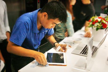 """""""Đại gia"""" đua mở đại lí bán hàng Apple chính hãng 2"""