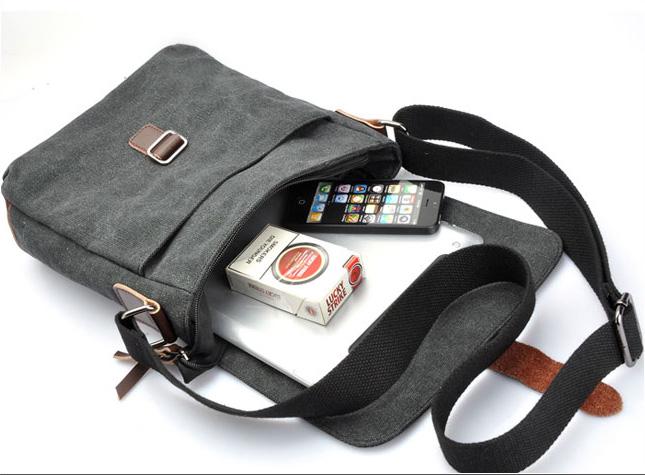 Không gian chưa nhỏ gọn nhưng vừa vặn của chiếc túi đựng iPad