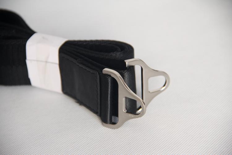 Dây đeo chéo được làm riêng cho túi xách