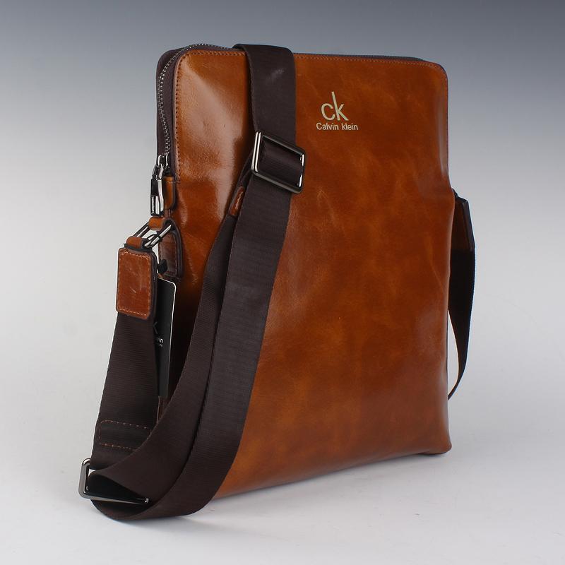 Túi xách nam giá rẻ tại Hà Nội thương hiệu CK
