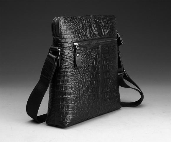 Túi đựng iPad đeo chéo CK nhìn nghiêng