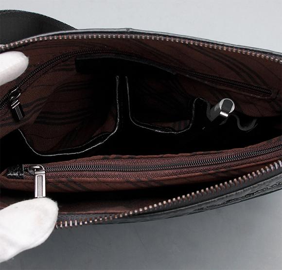 Mặt trong túi đeo iPad chính hãng cực đẹp