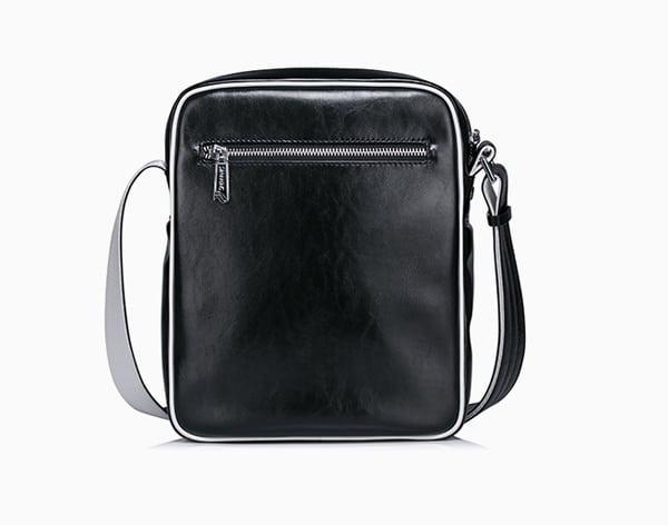 Mặt sau túi da nam hàng hiệu Sammons 007