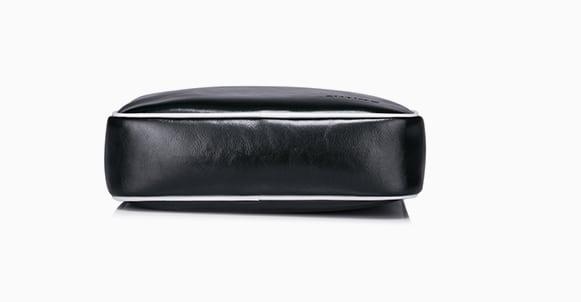 Đáy túi xách da thật thời trang Samons 007 được thiết kế vuông vắn dạng hộp
