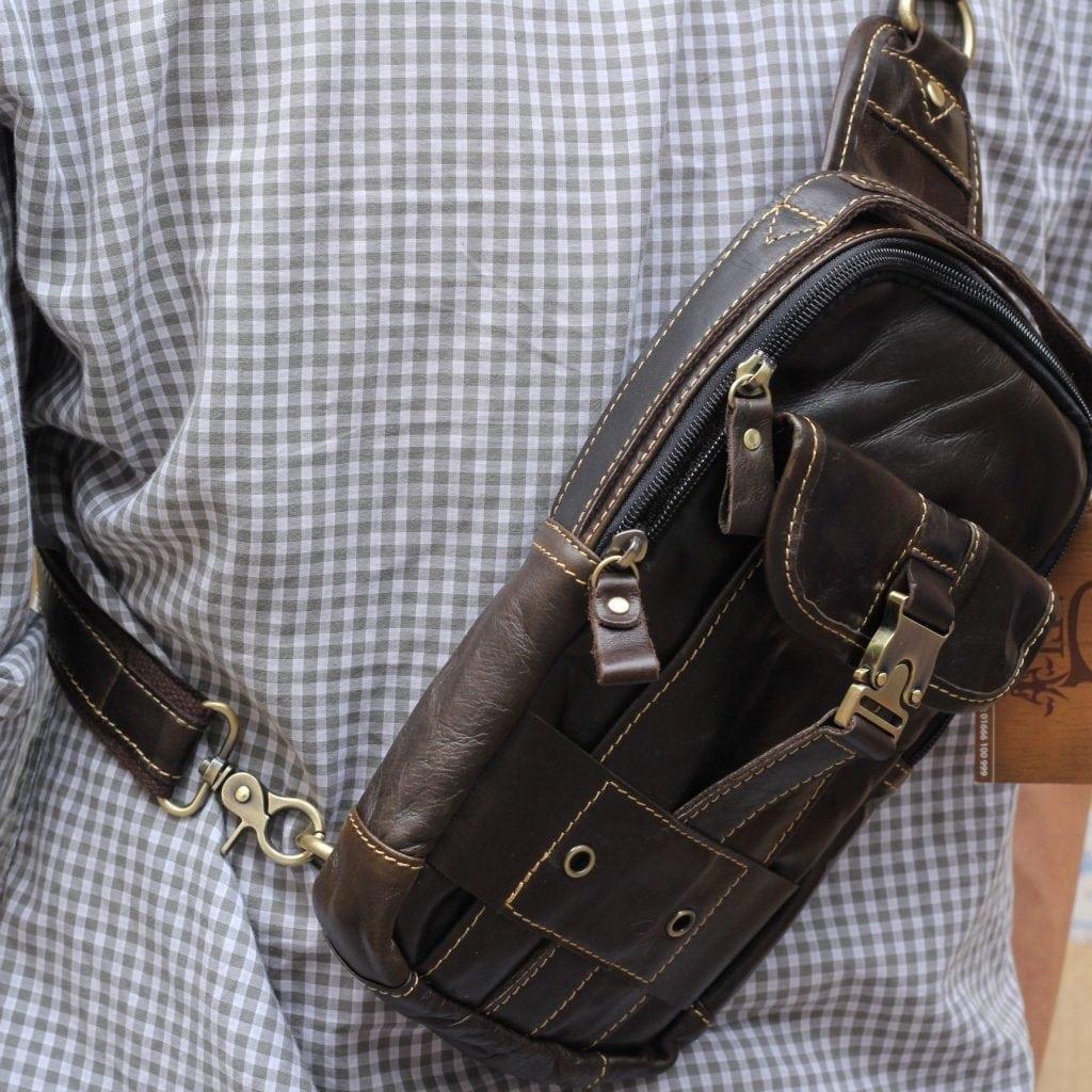 Túi đeo ngực da thật cho nam thời trang bụi bặm màu đen 1