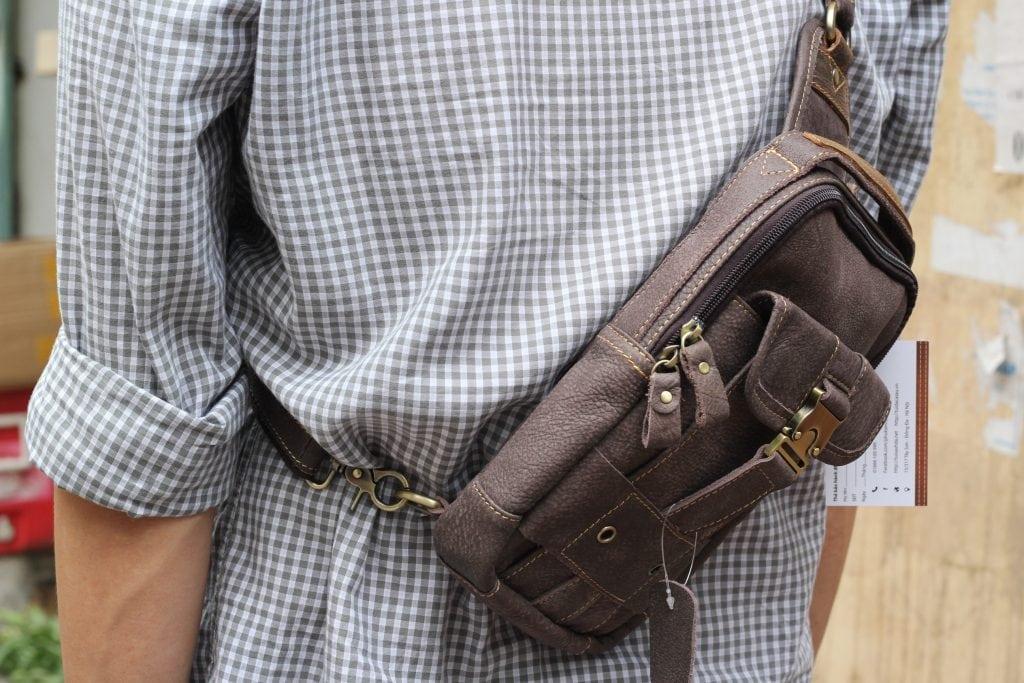 Túi đeo ngực da thật cho nam thời trang bụi bặm màu đen ghi 3
