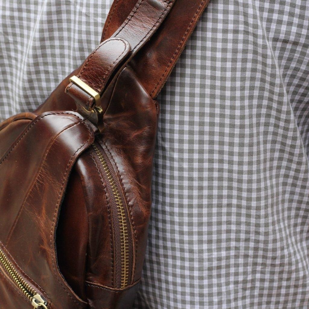 Túi đựng iPad đeo ngực nam da thật thời trang TDL12 4