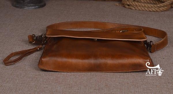 Cặp da nam clutch Bag đeo chéo cầm tay da thật sang trọng CD43 đáy túi