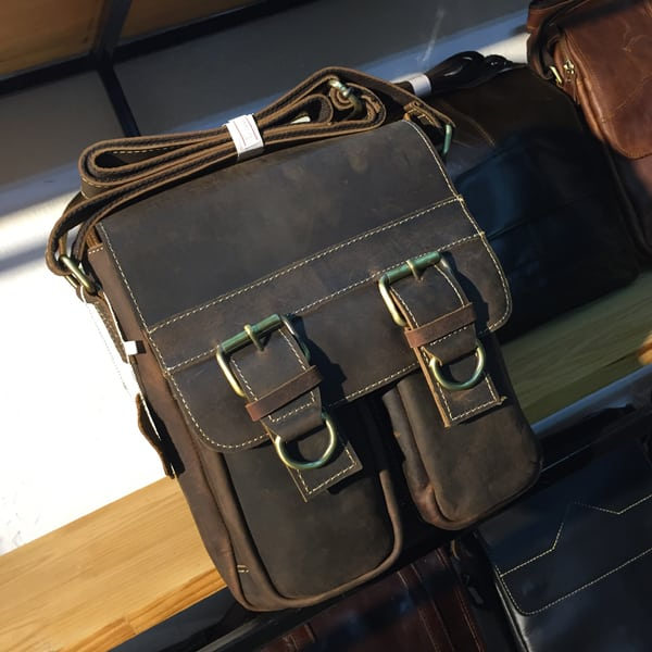 Túi đeo chéo nam công sở da bò mới 2017 KT54 nâu đậm