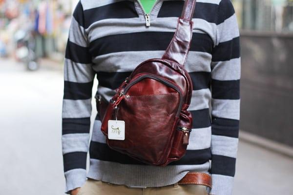 Túi đeo chéo ngực nam da thật giá rẻ TDL16 nâu đỏ