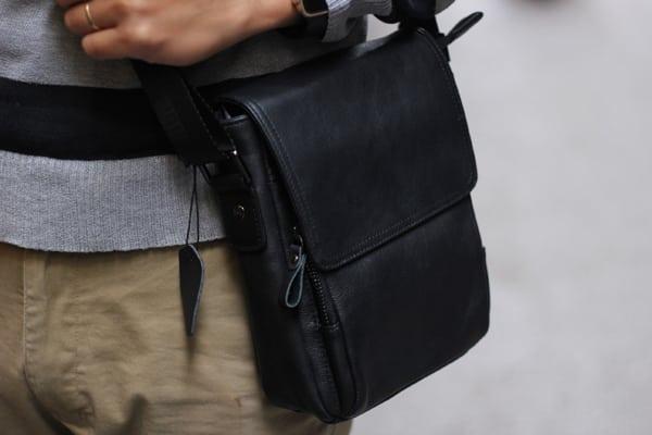 Túi đeo chéo nam da cừu trẻ trung năng động KT60