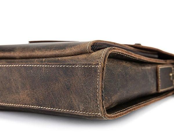 Túi xách nam đeo chéo da bò sáp KT51 màu đen đáy túi