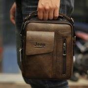 Trên tay Túi đeo chéo Jeep giá rẻ 04 màu nâu