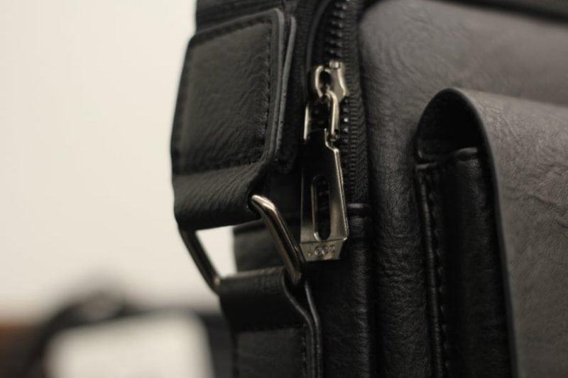 Túi đeo chéo Jeep giá rẻ 04 màu đen - quai đeo chéo