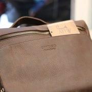 Cặp túi xách đeo chéo nam da thật Contact 11 logo sắc nét