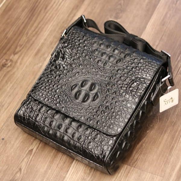 Túi đeo chéo nam da bò giả vân cá sấu VCS06 đặt nằm