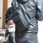 Túi da đeo ngực nam thời trang công sở TDL23 sau lưng