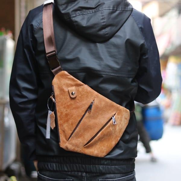 Túi da đeo ngực nam thời trang độc đáo TDL25 sau lưng