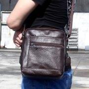Túi da nam đeo chéo giá rẻ KT69 màu nâu