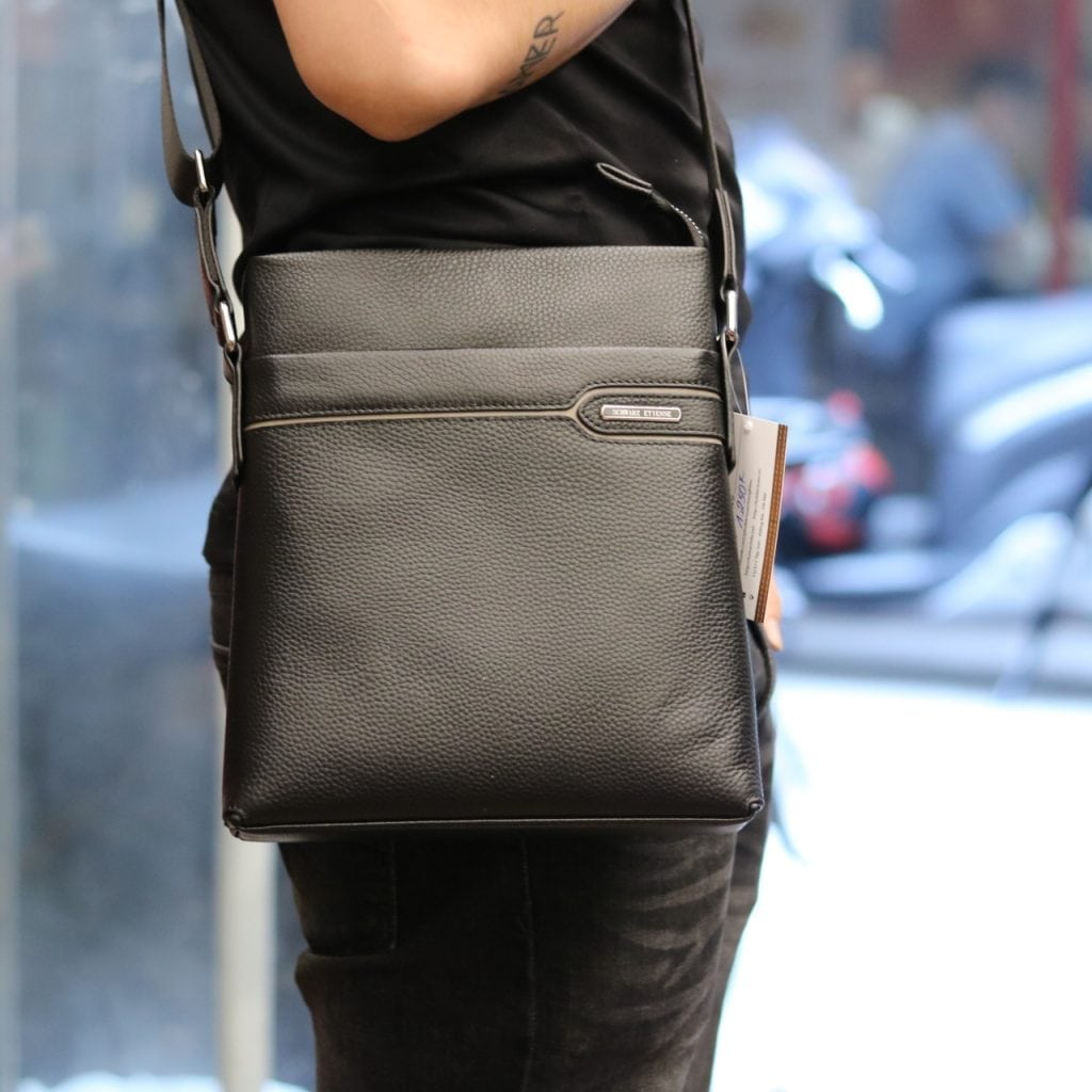 Túi da nam đeo chéo thời trang sang trọng Schwarz Etienne TXSE06 màu đen đeo chéo
