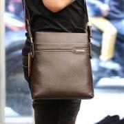 Túi da nam đeo chéo thời trang sang trọng Schwarz Etienne TXSE06 màu nâu đeo chéo