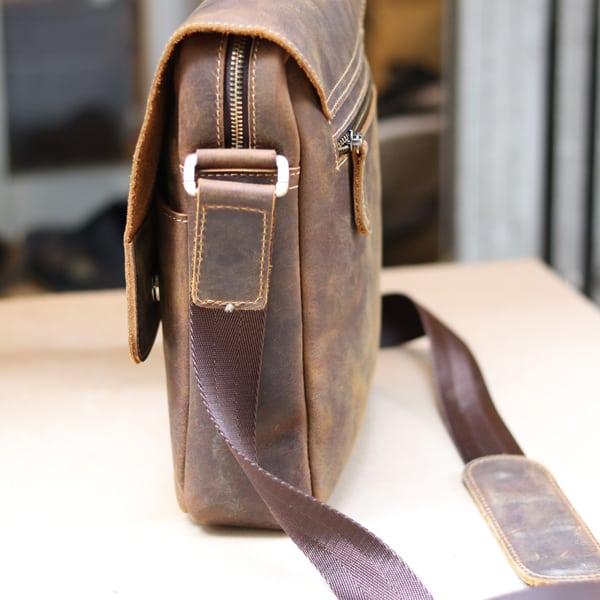 Túi đeo chéo nam da thật đựng iPad dạng hộp KT68 thân túi