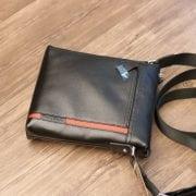 Túi đeo chéo nam hàng hiệu Schwarz Etienne thời trang lịch lãm TXSE03 mặt trước
