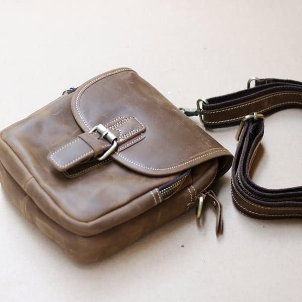 Túi đeo chéo nam kiểu dáng mini da bò sáp KT72 dây đeo chắc chắn