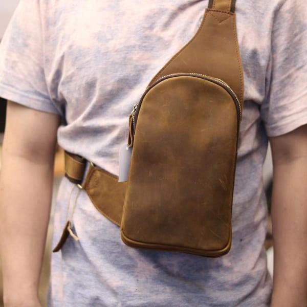 Túi da bò sáp cao cấp đeo chéo lưng cho nam TDL31 đeo trước ngực
