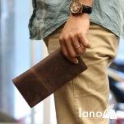 Ví dài cầm tay cho nam da bò sáp thời trang công sở VCTN011 nâu – trên tay